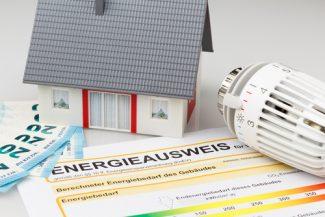 Gas-und-Strom-vergleichen mit Mitarbeitern von Das-Haushaltskonzept